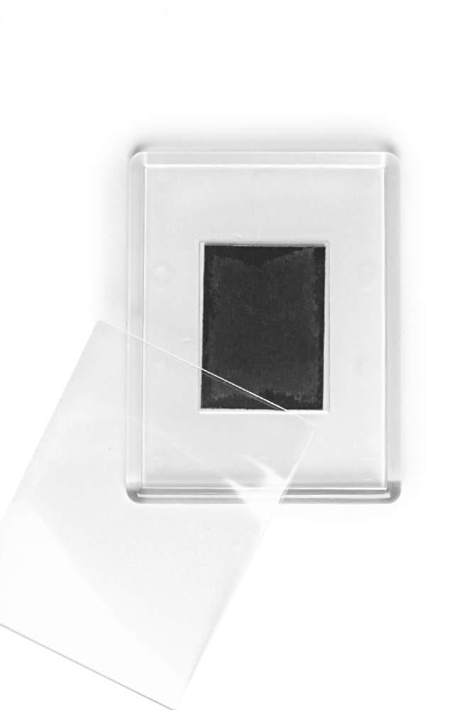 13. Akrylová magnetka na ledničku - (8,4 x 6,5 cm)