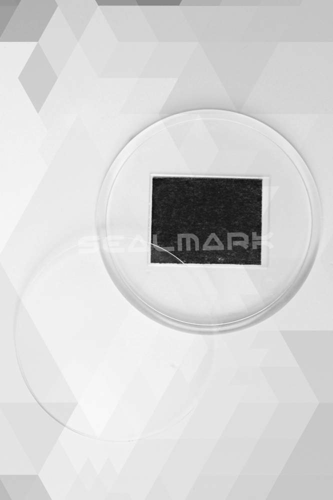 16. Akrylová magnetka na ledničku (průměr 7,0 cm)